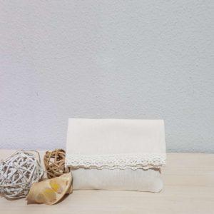 ifasmatinos-fakelos-white-lace-bomboniera